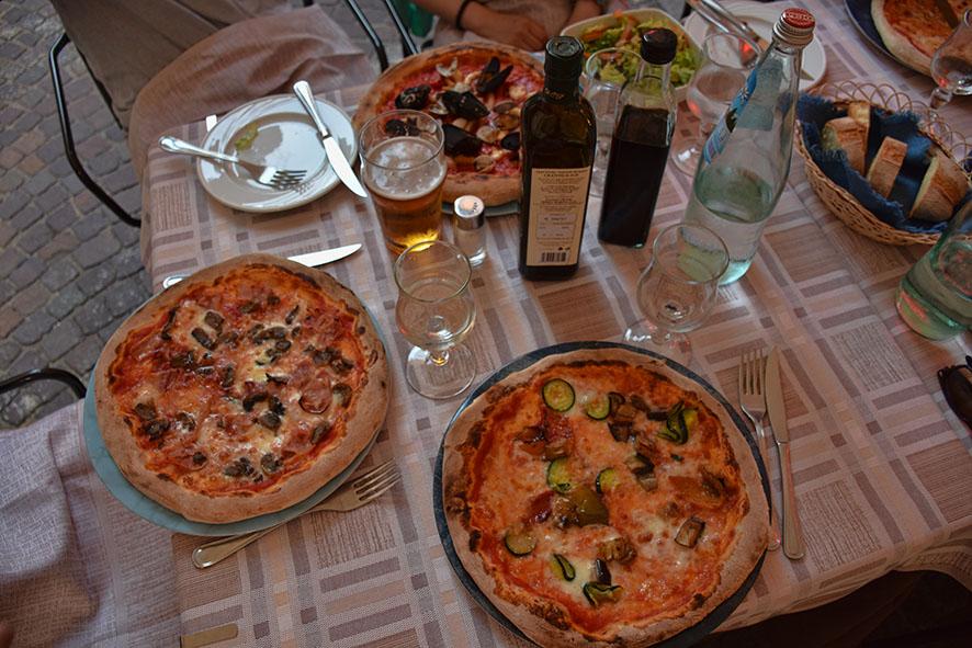 Brescia Italië Pizzeria al Duomo