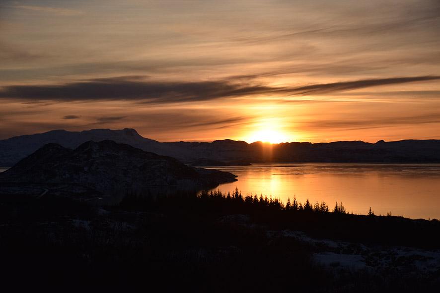 Zonsondergang in Thingvellir IJsland in de winter