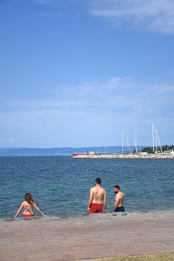 Zee en strand bij Izola