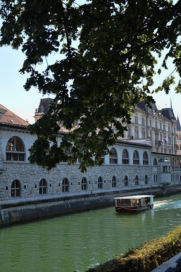 Kanaal in de binnenstad van Ljubljana
