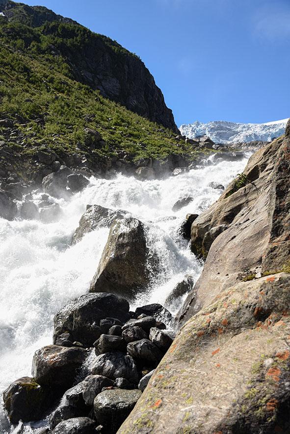 Smelwater van de Buer gletsjer Noorwegen