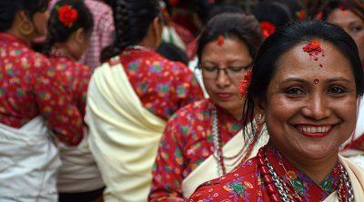 Een portret van een Nepalese dame tijdens een ceremonie in Patan. Patan ligt ten zuiden van de hoofdstad Kathmandu