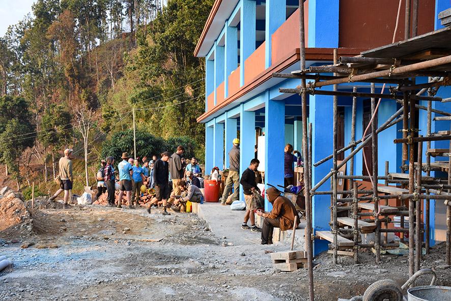Vrijwilligerswerk school bouwen Nepal ochtend