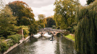 Cambridge en punten op de Cam in de herfst