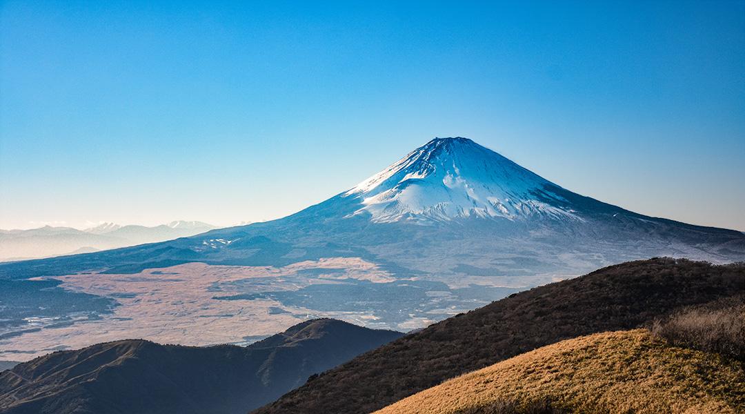 Mount Fuji gezien vanaf Mount Hakone in maart